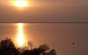 Wat is het verschil tussen een plas en een meer?