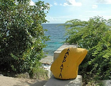 Karpata_Bonaire_gele steen