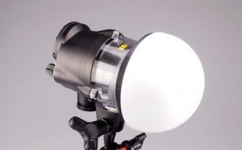 Dome Diffuser voor een grotere en egale spreiding van flitslicht