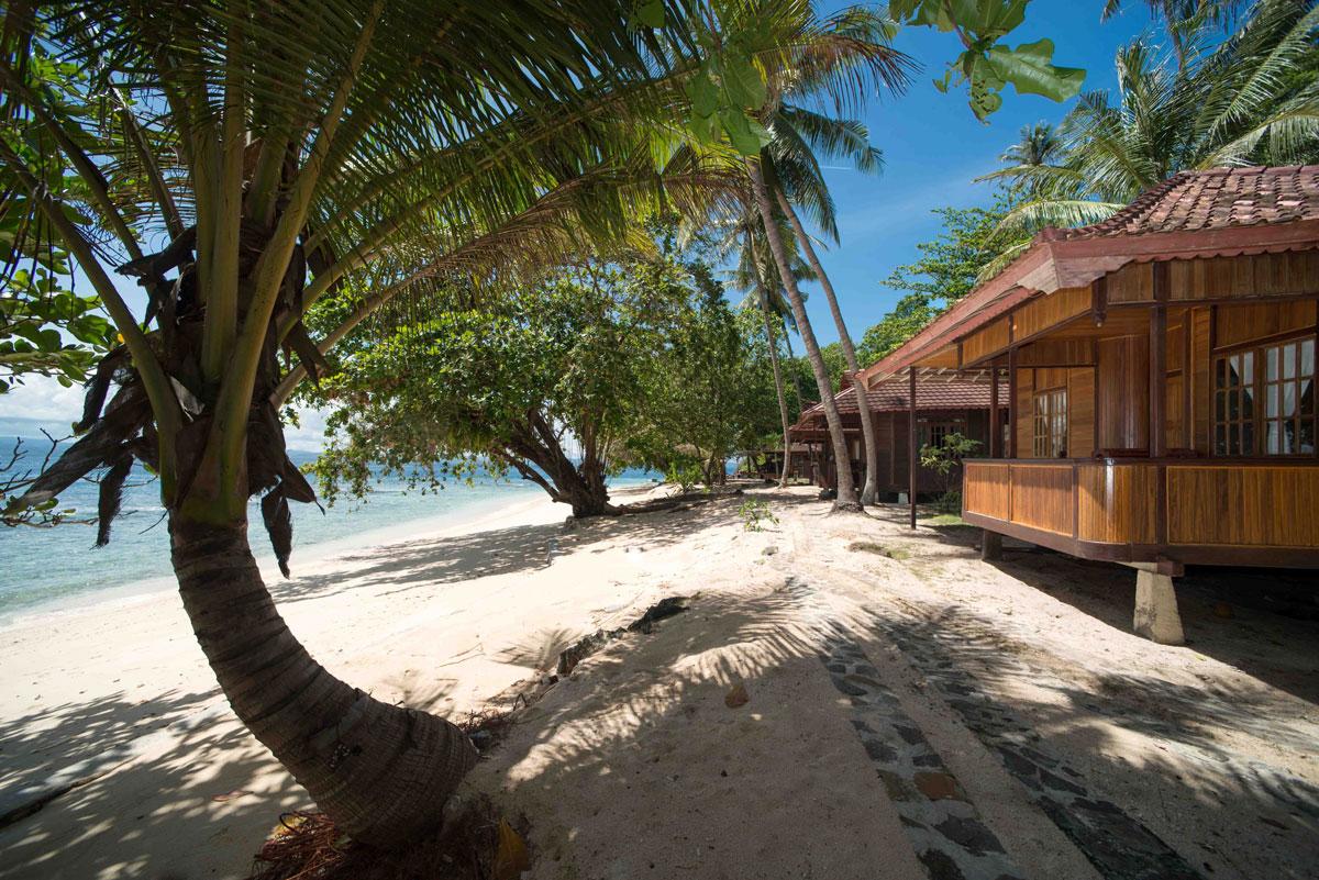 Murex-Bangka---Beach-Front-Cottages-1