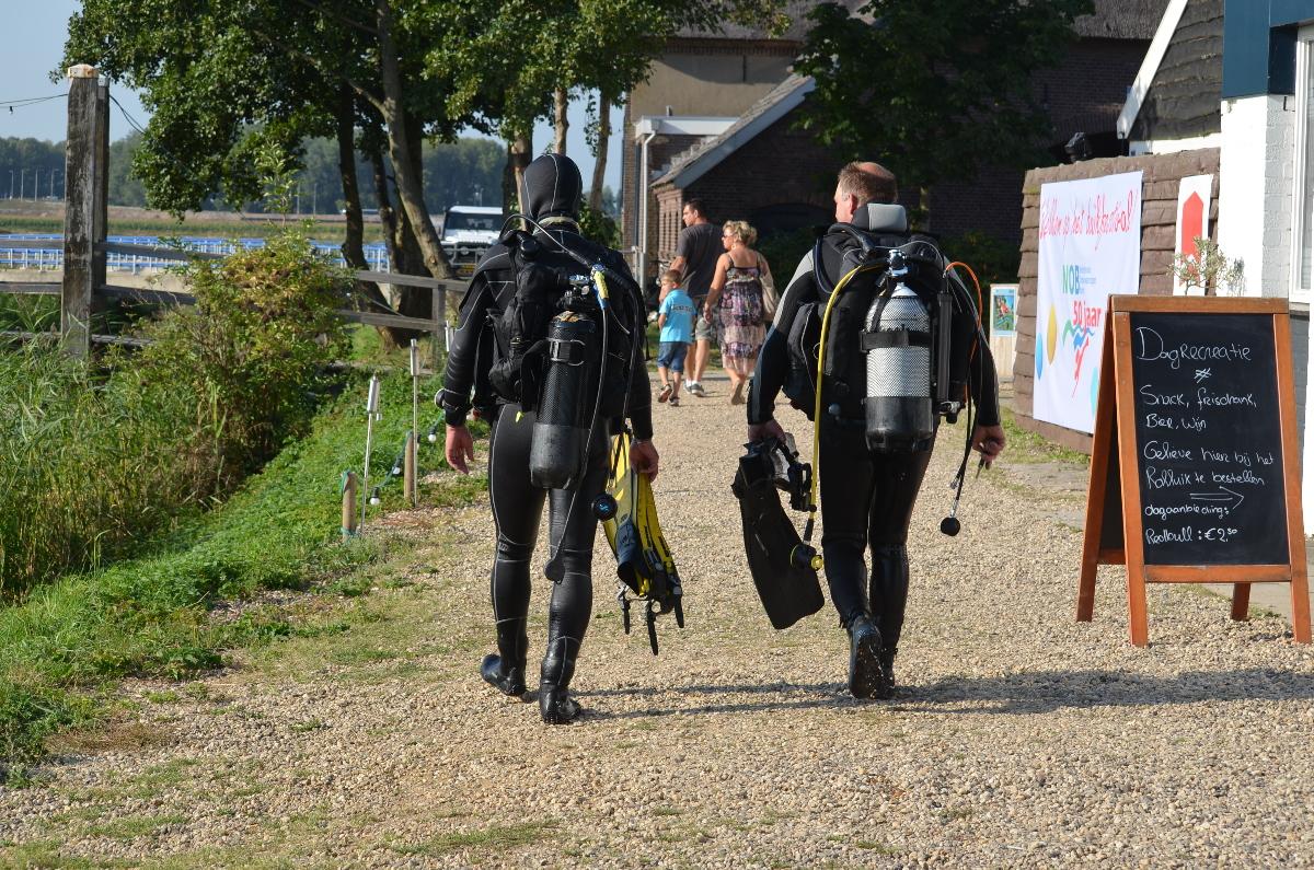 duikers bij zoet water