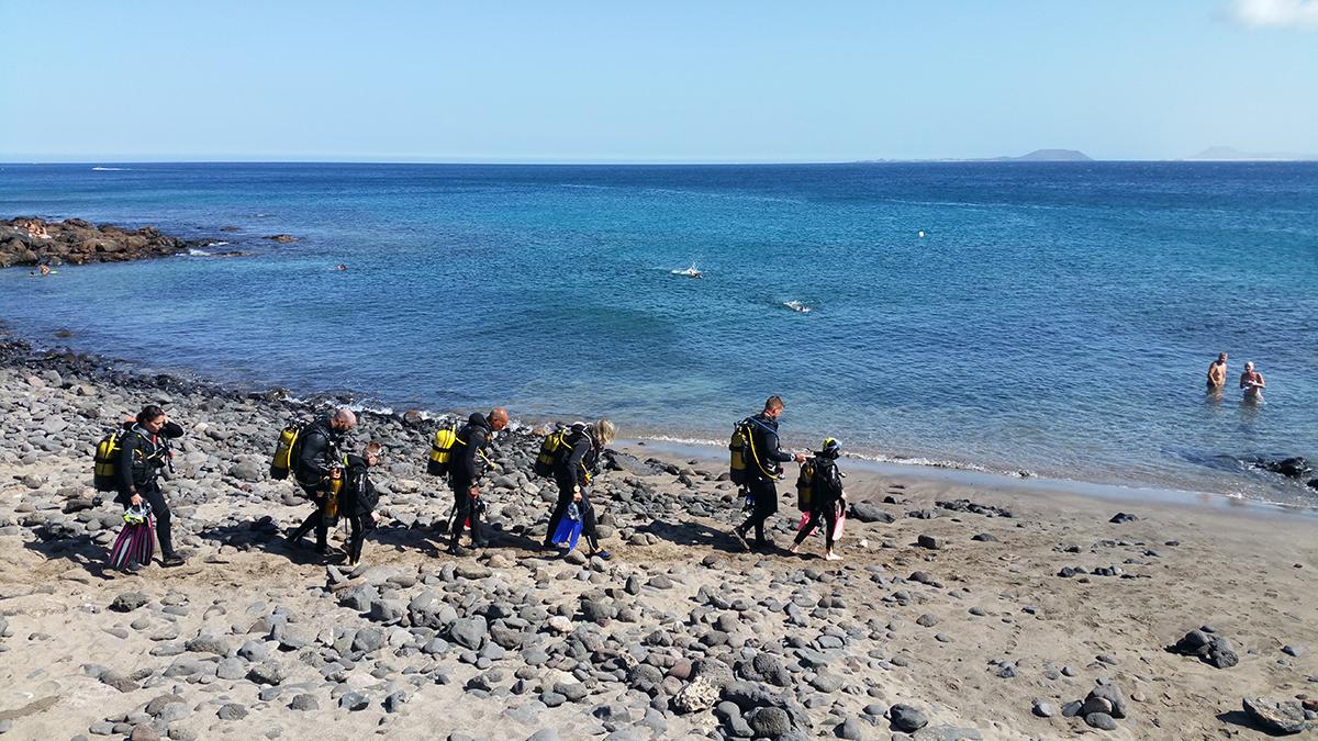 Dive_College_Lanzarote_Strand_1