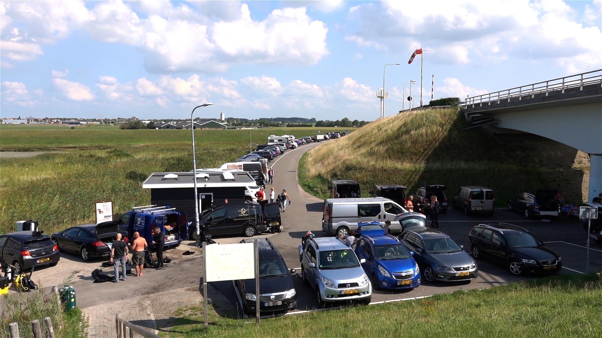 Dirk-Van-den-Bergh_20180901_deel-2-drukte-zeelandbrug-70574