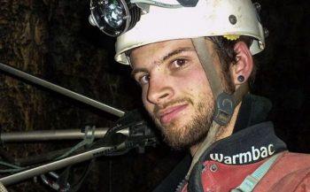 Redder wordt zelf uit grot gered