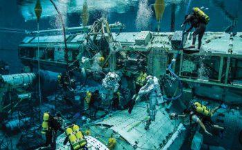 Ruimtewandeling onder water