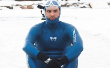 Alexey Molchanov vestigt nieuw wereldrecord freediven onder ijs