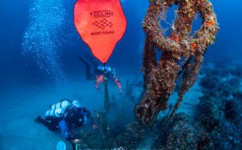 In beeld: Ghost Diving verwijdert spooknet van onderzeeër