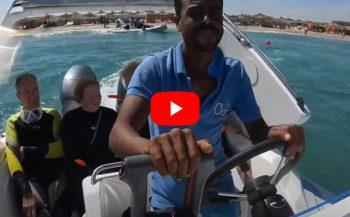 Arnold Mitgenberg - Met de speedboot naar de duikstek