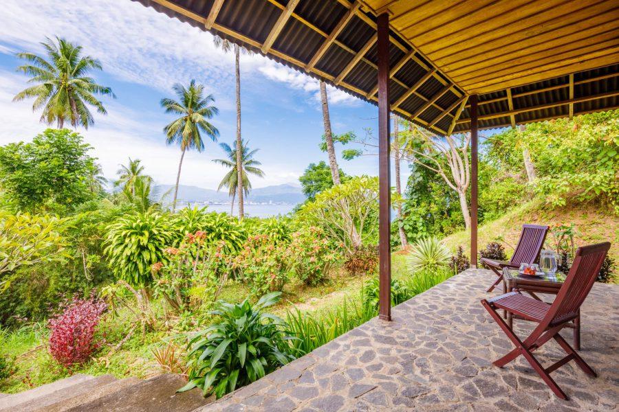 Thalassa_Indonesie_hilltop deluxe exterior terrace view thalassa manado