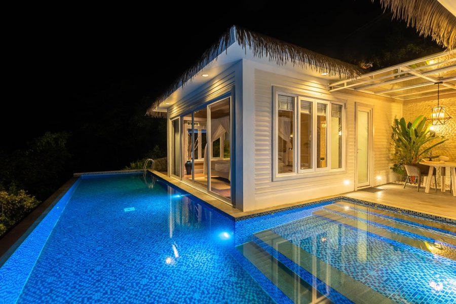 Lembeh Resort - Cliffside Villa Pool-Murex_juni2021
