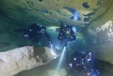 Marcel van Engelen – Intro Into Cave