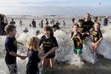 Ruim duizend 'sterren voor de zee' nemen duik voor behoud Noordzee