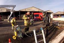 In beeld: Wat ziet een brandweerduiker?