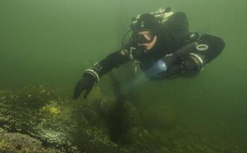 Onderhoud aan rijksmonument in Waddenzee