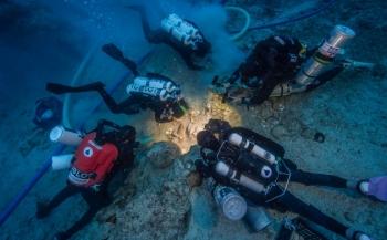 Skelet opgedoken bij 2000 jaar oud scheepwrak