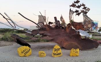 Bonaire pakt project rond duik-kunstwerk van afval weer op