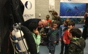 Basisschool in de ban van plastic soep en bescherming van zeeschildpadden