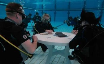 Kampioenschap Toepen onder water bij OSV Quintus