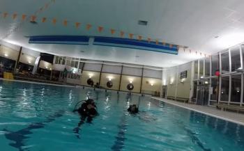 Michael van Dijk - SSI Scuba Skills Update zwembadduik