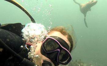 Rianne gaat duikvloggend de wereld over