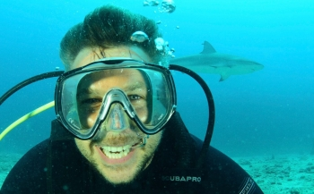 Winston Gerschtanowitz naar de haaien