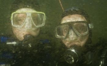 Zeer zware algenbloei verpest duikplezier in de Oosterschelde