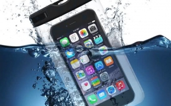 Duikster vindt iPhone in zee dankzij tekstberichtje