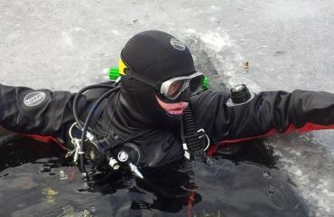 Film: Onder het ijs!