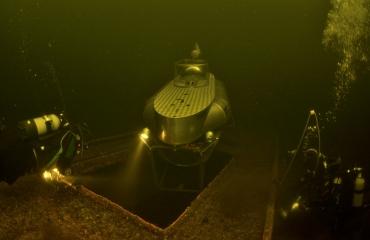 Jaap Jonk - Onderwater met een duikboot in Vinkeveen