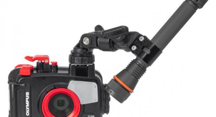 Foto-en filmnieuws: Isotta flitser, Sony compact camera en YS-adapters